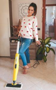 Oggi vi parlo del mio nuovo grande alleato per le pulizie domestiche: il pulitore a vapore SC3 Kärcher. Mai più senza!!! Ho sempre amato scoprire nuovi prodotti per le mie pulizie domestiche, ma con il passare degli anni e con l'arrivo dei figli, il tempo diminuisce, la stanchezza aumenta e lo sporco è sempre lì, pronto a bussare alla tua porta. E quindi le caratteristiche fondamentali che ricerco nei miei alleati per le pulizie domestiche sono: praticità, velocità, ma soprattutto garanzia pulitore a vapore SC3 Kärcher
